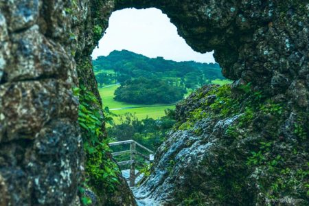 幻の城!雨の玉城城(グスク)完璧な城壁